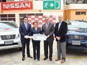 Nissan dona camionetas NP300 Frontier Cruz Roja Ecuador