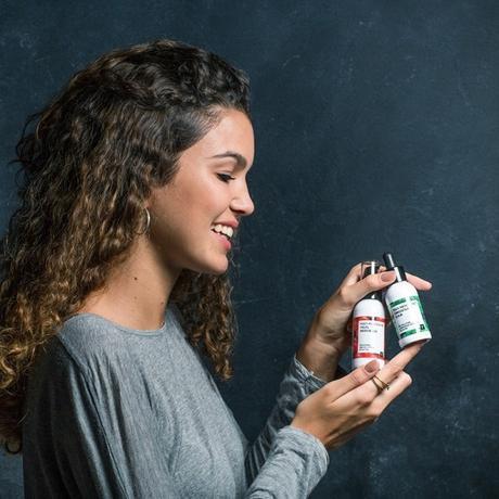 El Serum y la Hidratante Facial Multi-Antioxidante – la nueva incorporación a la familia de FRESHLY COSMETICS