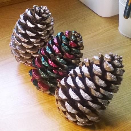Tutorial pi as decorativas paperblog - Decorar pinas naturales ...