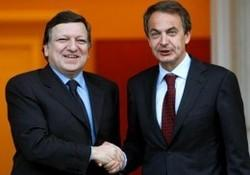 Zapatero, descarado e inconsecuente, exige a Egipto la democrracia que España no tiene