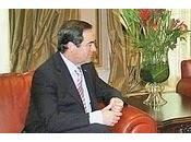¿Qué pinta Bono Guinea confraternizando semejante dictador, sanguinario ladrón?
