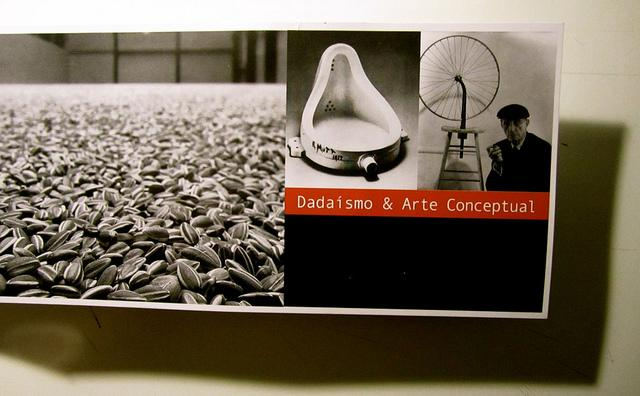 http://m1.paperblog.com/i/42/425080/dadaismo-arte-conceptual-L-YNU_Ip.jpeg