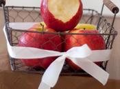 centro mesa hecho manzanas rojas