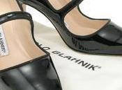 TOUS convierte joya zapato Manolo Blahnik