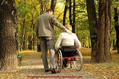 como tratar a las personas con discapacidad auditiva