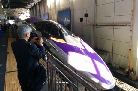 Uno de los espectaculares trenes japoneses Japón por libre