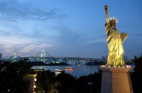 Réplica de la Estatua de la Libertad en la isla artificial de Odaiba, en Tokio curiosidades de Japón