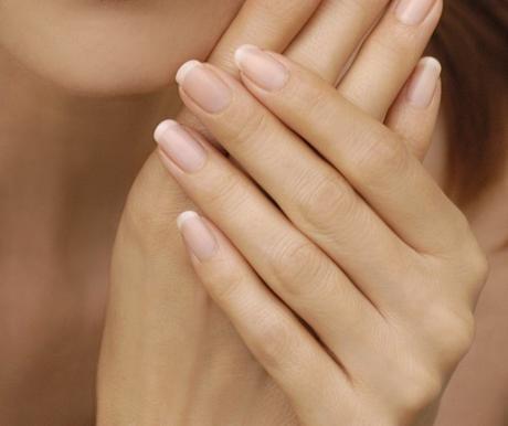 Como mantener la salud de las manos en invierno........  How to keep your hands healthy in winter