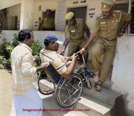 imagenes de como ayudar a personas discapacitadas generosos