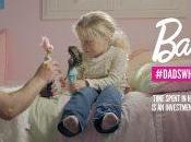 padres ahora juegan hijas… Barbie