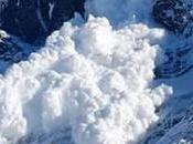 Escalofriante avalancha nieve Torres Paine vuelta mundo [Video]