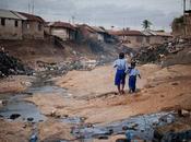 Mira cual ciudad pobre mundo mira gente humilde
