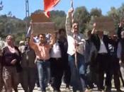 Hombres Turquía protestan exigiendo mujeres dejen rechazar propuestas matrimonio