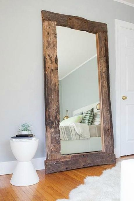 Espejos con marco de madera reciclada paperblog for Espejos de pie de madera