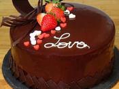 Tarta mousse queso crema fresas baño espejo chocolate decorada para Valentín