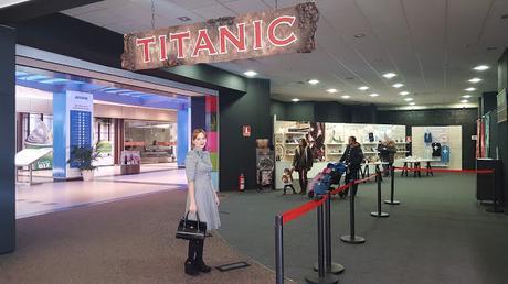 OUTFIT EN LA EXPOSICIÓN DEL TITANIC