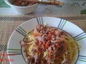 Espaguetis picantes cerdo brotes soja