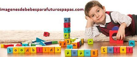 niños jugando con juegos didacticos educativos