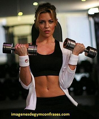 fotos de mujeres que van al gym fitness