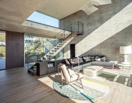 casa de hormigon minimalista en girona paperblog