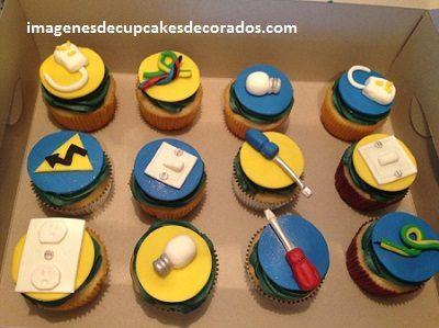cupcakes de feliz cumpleaños para hombres fondant