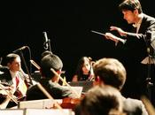 puede enseñar música sobre liderazgo