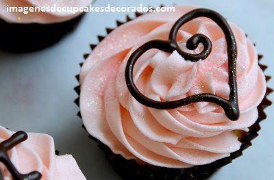 diseños de cupcakes de amor buttercream