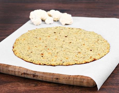 Pizza sana hecha con masa de coliflor