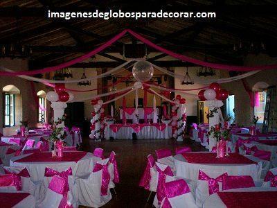 Cuatro fotos con arreglos de salon para 15 a os con globos for Arreglos de salon para xv