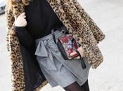 falda anudada abrigo leopardo