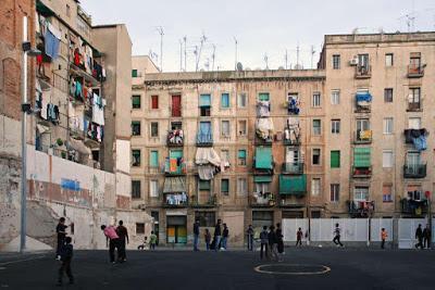 La Hipérbole del maletín - Josep Lluís Mestres