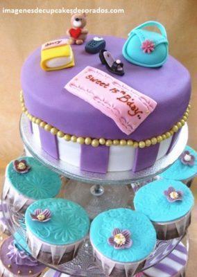 cupcakes para quince años decorados con fondant modernos
