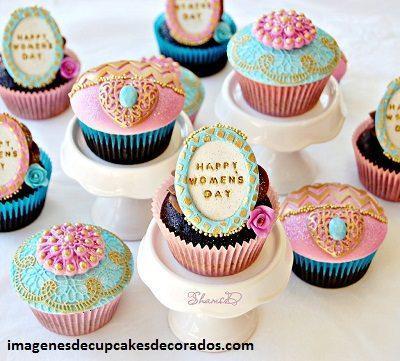 cupcakes para el dia de la mujer fondant