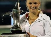 Dubai: título brazo, Wozniacki vuelve