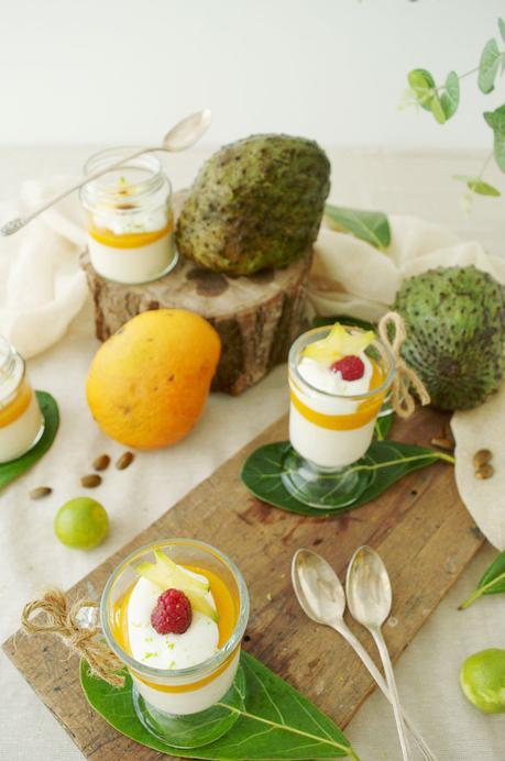Pannacotta de guanábana con coulis de mango y yogurt, simplemente delicioso