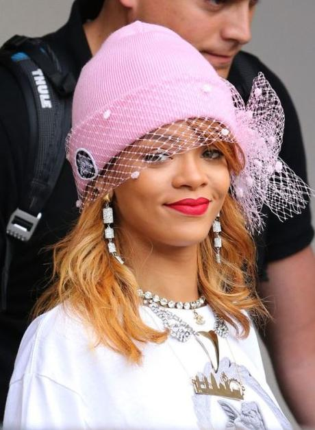 Headpice net celebrity fashion Rihanna