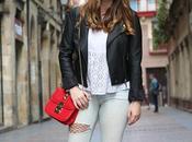 Outfit jeans rotos medias rejilla