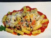Pasta Rigatoni vegetales beicon