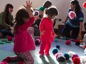 bebés tienen lugar para jugar, conocer cantar