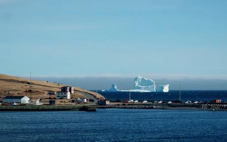 Impresionante iceberg que apareció en las costas de Canada