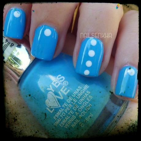 Nail Art Azul Punto