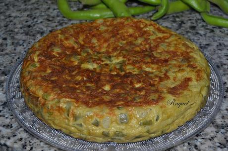 Tortilla de habas tiernas y cebolleta