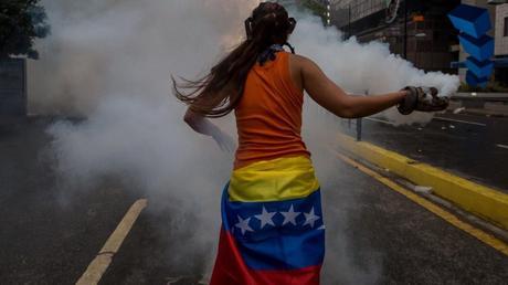 La violencia en Venezuela genera polémica internacional