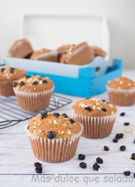 Muffins de avena y grosellas negras