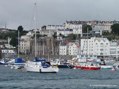St Peter Port; capital de la Isla de Guernsey