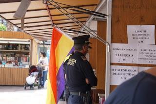 El alcalde de Algeciras prohibió la bandera republicana en una caseta de libros