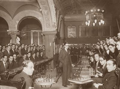 Simultáneas de ajedrez del Dr. Rey en el Ateneu Barcelonès, Barcelona, 31 de enero de 1933