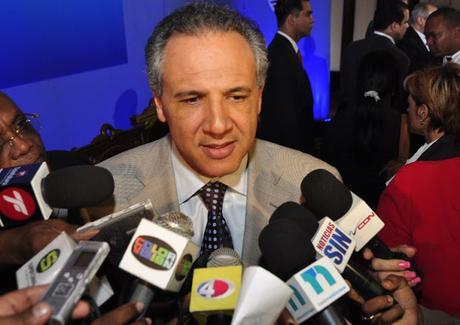 Peralta defiende su honra; advierte, si Fañas no retira lo dicho, será sometido.