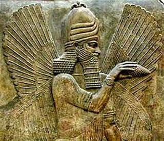 El dios Marduk, muy dorado él.