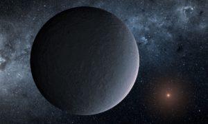 Un pequeño planeta helado detectado por microlente